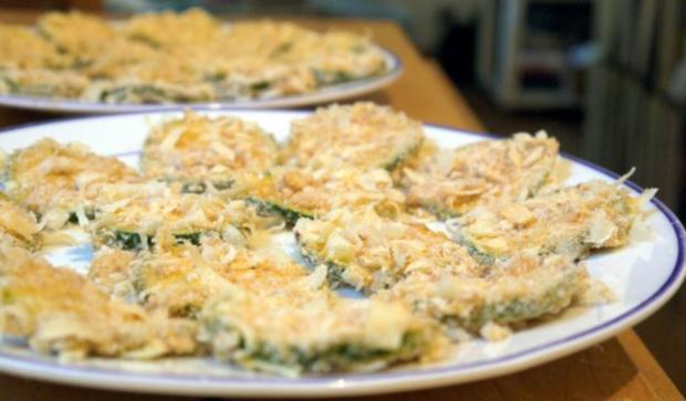 Zucchinischeiben in Käsepanade mit Minz-Dip - Rezept - Bild Nr. 13