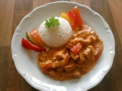 Hähnchen- Geschnetzeltes mit Paprika-Rahm-Soße - Rezept