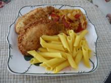 Geflügel : Putenbrust mit Kokos-panade mit Gemüse an Penne - Rezept