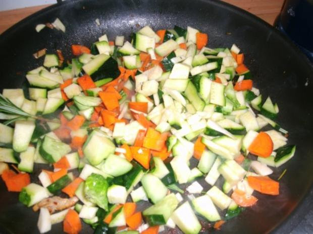 Gemüsereis mit Geschnetzeltem vom Minutensteak - Rezept - Bild Nr. 10
