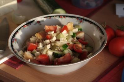 Feta-Ciabatta-Salat - Rezept