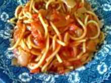Spagetti mit Tomatensoße - Rezept