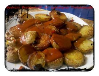 Kartoffeln: Bratkartoffeln mit Spiegelei und Tomaten-Lemongras-Soße - Rezept