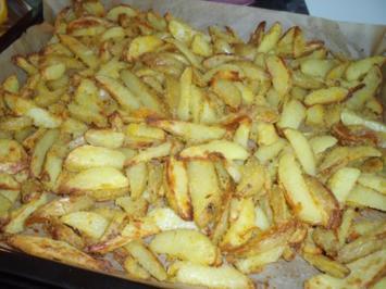 Kartoffeln aus dem Ofen mit Polentakruste - Rezept