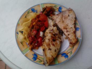 Friedlicher Schwertträger m. Freund u. Gemüse oder Fischteller Lukullus mit Ratatoillecker - Rezept