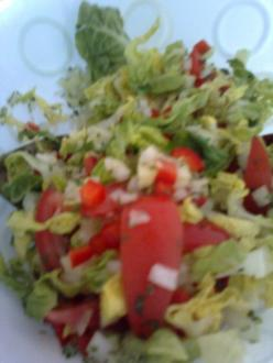 Bunter Salat mit Balsamicodressing - Rezept
