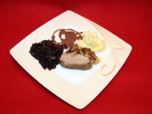 Rinderfilet in Käskruscht'n mit Rotkraut und Püree - Rezept