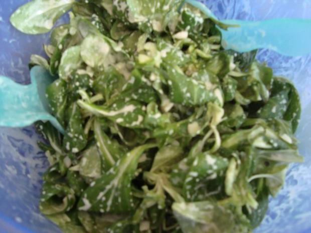 Feldsalat mit Lachs-Ei-Topping - Rezept - Bild Nr. 7