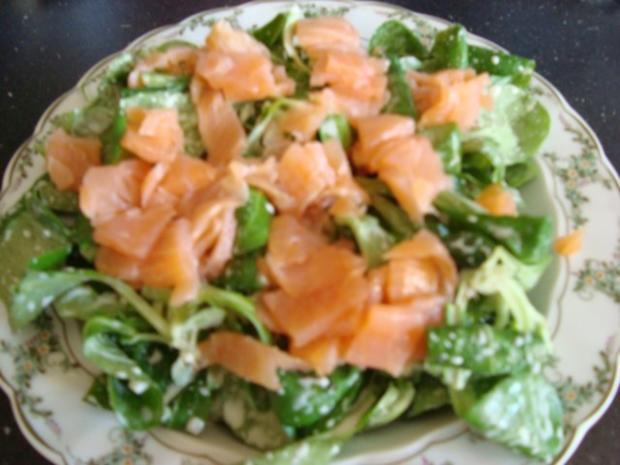 Feldsalat mit Lachs-Ei-Topping - Rezept - Bild Nr. 8