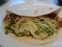 E N C H I L A D A -- I N F E R N A L E --- Weizenmehltortillas gefüllt mit Chili con Carne - Rezept