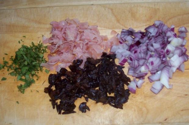 Snack/Vorspeise: Herzhaft-süße Blätterteigtaschen mit Pflaumen-Schinken-Füllung - Rezept - Bild Nr. 3