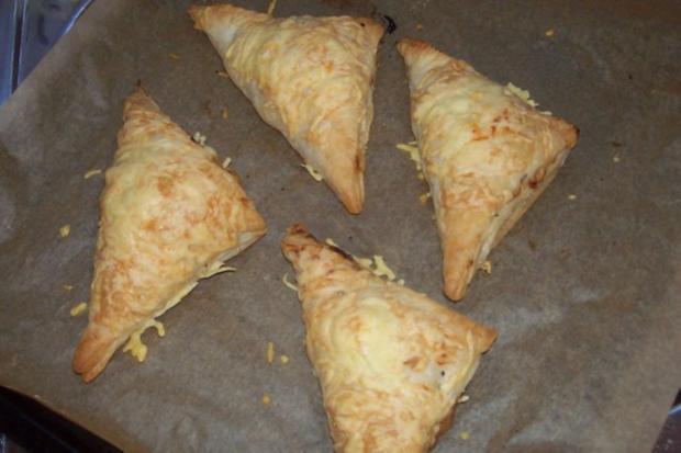 Snack/Vorspeise: Herzhaft-süße Blätterteigtaschen mit Pflaumen-Schinken-Füllung - Rezept - Bild Nr. 11
