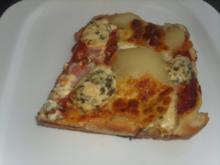 Pizza mit Birnen und Blauschimmelkäse - Rezept