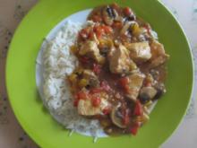 Hähnchen in Paprikasoße mit Reis - Rezept