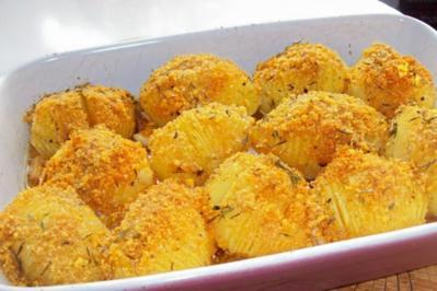 Beilagen: Knoblauch-Fächerkartoffeln mit Tortillakruste - Rezept