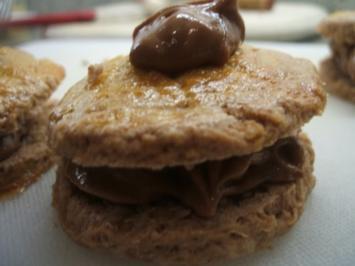 Backen: Scones mit Nutella und Krokantfüllung - Rezept