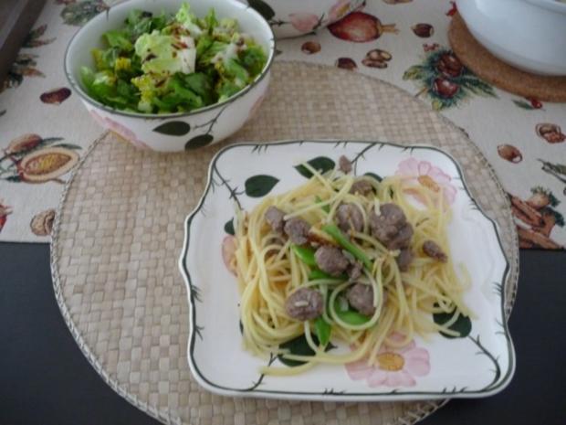 Pasta : Spaghetti mit Cevapcici-Hack und Schoten dazu einen Salat - Rezept - Bild Nr. 13