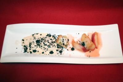 Rezept: Glasierter Pfirsich mit Mandeleis und Biscotti