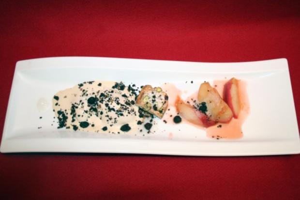Glasierter Pfirsich mit Mandeleis und Biscotti - Rezept
