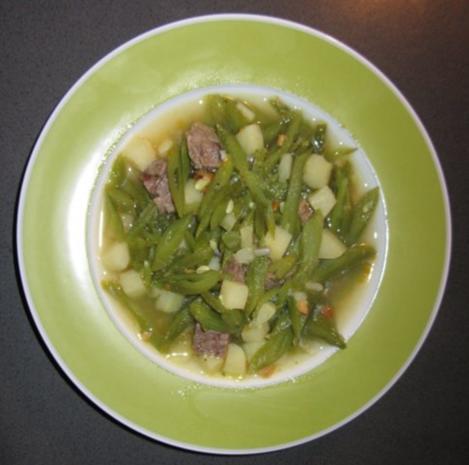 Schnippelbohnensuppe oder Stangenbohnensuppe - Rezept