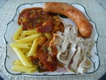 Pasta : ...mit Gemüse-Tomatensoße und Bockwurst - Rezept