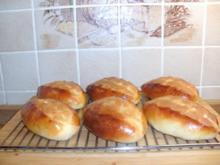 Hefeteig/ Eierweck/ Eierhörnchen/ Streuselkuchen/ Zwetschgenkuchen - Rezept