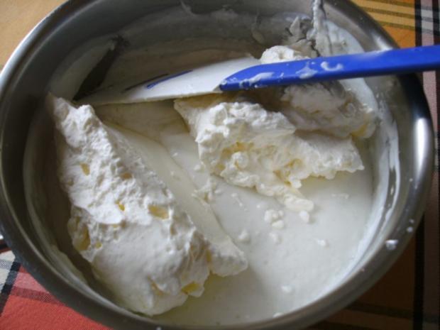 Limetten-Kokosmousse mit beschwipstem Pfirsichkompott - Rezept - Bild Nr. 7