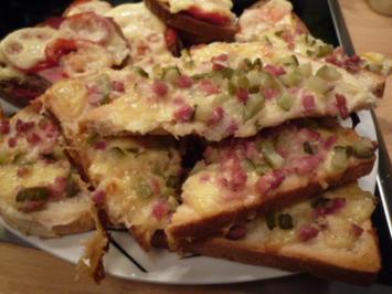 Schinken-Käse-Essiggurkerl Toast überbacken - Rezept