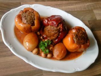 Gefüllte Paprika-Schoten in Pilz- Bolognese-Rahm - Rezept