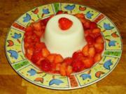 Buttermilchgelee mit Erdbeeren - Rezept