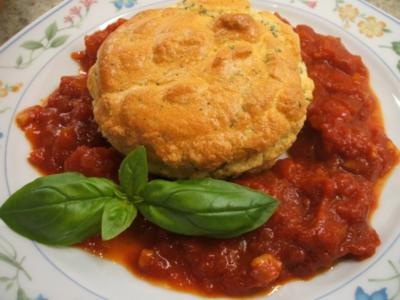 Souffle: Kräuter-Souffle auf fruchtiger Tomatensoße - Rezept