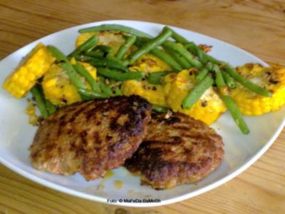 Fleischpflanzerl mit Mais-Bohnengemüse - Rezept