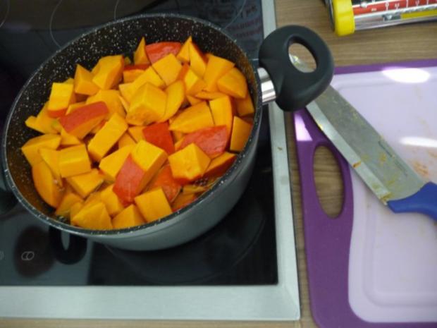 Suppen & Eintöpfe :  Kürbissuppe mit Kokosmilch - Rezept - Bild Nr. 3