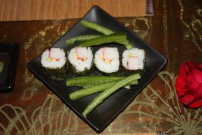 Sushi mit Surimi und Avocado - Rezept