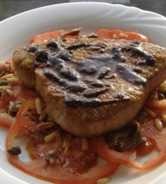 Carpacio von Ochsenherztomaten und Thunfischsteak - Rezept