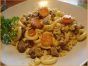 Gabelspaghetti mit Mett-Pilz-Möhren-Sauce - Rezept