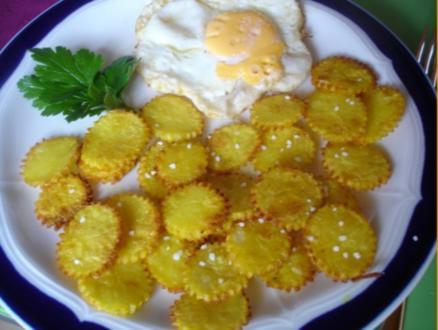 Kartoffelblüten mit Spiegelei und Radisalat - Rezept