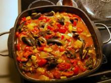 Muscheleintopf mit Dill, Tomate und Schmorgurken - Rezept