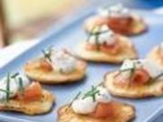 Blinis mit Kaviar und Sauerrahm - Rezept