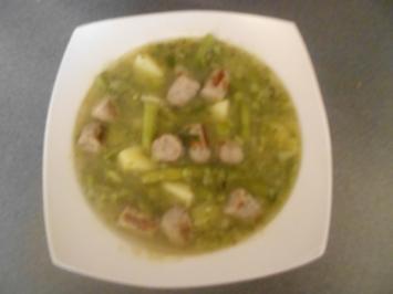 Bohnensuppe mit Rostbratwürstchen - Rezept