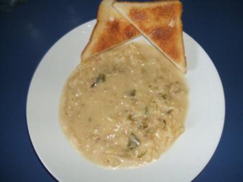 Käsesuppe mit Hackfleisch und Nudeln - Rezept