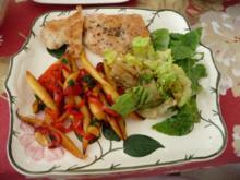 30 Minuten-Rezepte : Schupfnudel-Pfanne mit Hähnchenbrust und Salat - Rezept