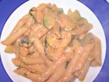 Schelle Nudeln in Cremiger Tomaten-Gemüsesauce - Rezept