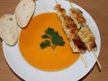 Möhren-Ingwer-Suppe mit Hähnchenspieße in Honig-Senf-Marinade - Rezept