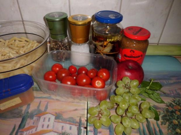 "Salat: Nudelsalat ""Winzer Art"" - Rezept - Bild Nr. 2"