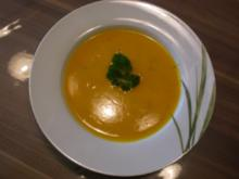 Kürbis-Zucchini-Suppe - Rezept