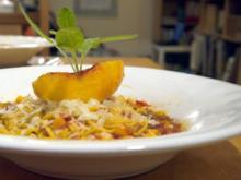 Spaghetti mit Tomaten-Pfirsich-Sauce - Rezept