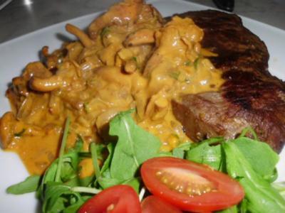Roastbeef mit Pfifferlingen in einer Paprika-Rahmsauce mit Estragon - Rezept