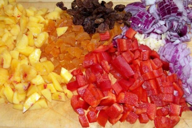 Beilagen: Fruchtig-scharfes Nektarinen-Chutney - Rezept - Bild Nr. 2