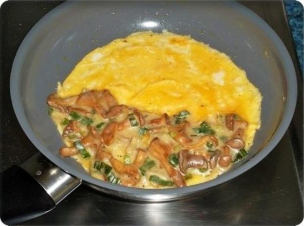Gefülltes Omelett mit Pfifferlingen - Rezept - Bild Nr. 12